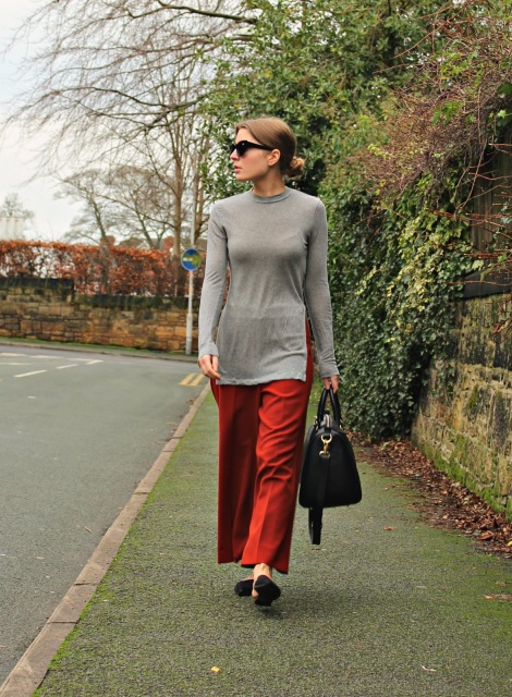 outfit-red-culottes-grey-top
